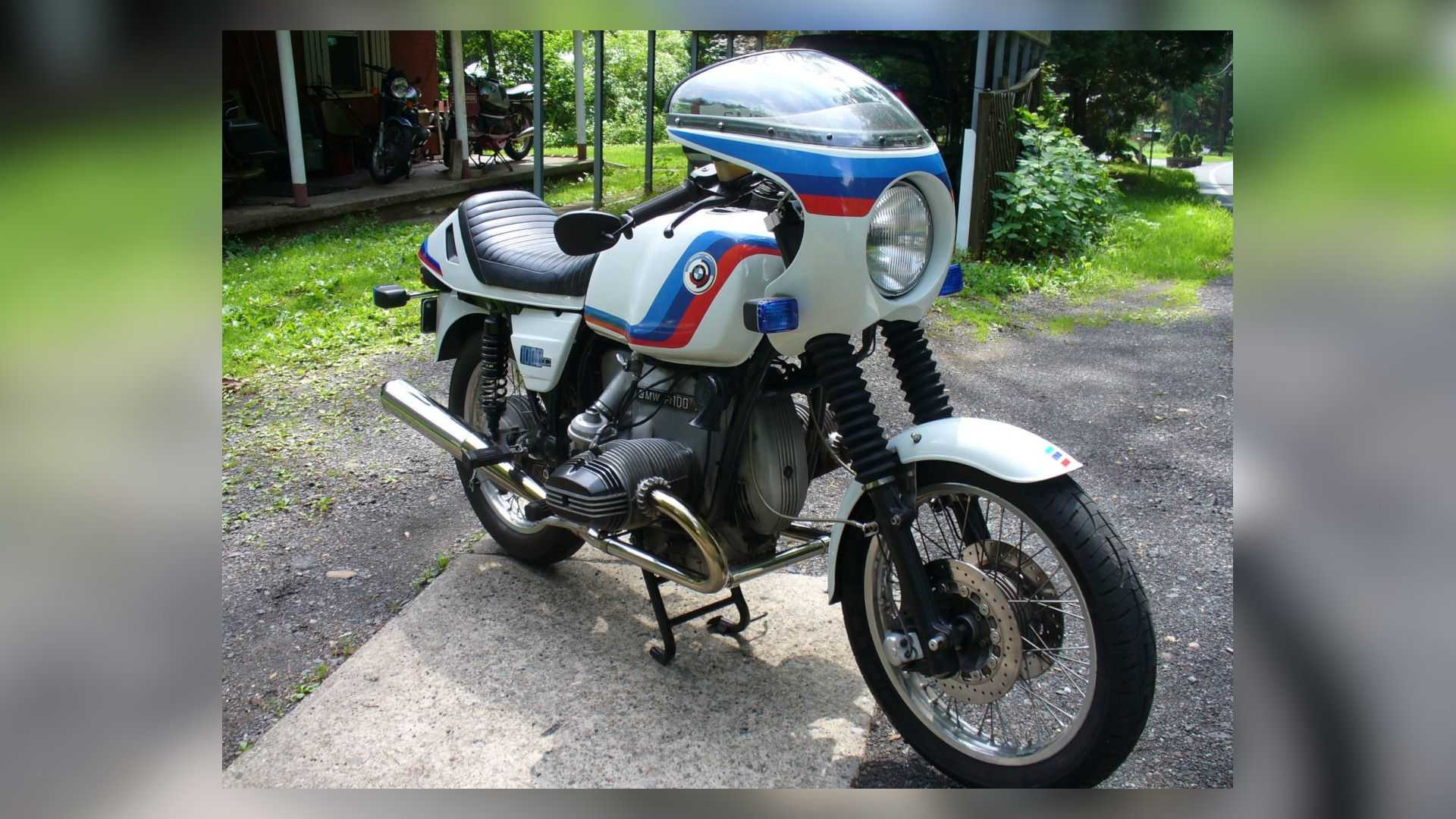 1978 BMW R100 7 - Right Front Angle View