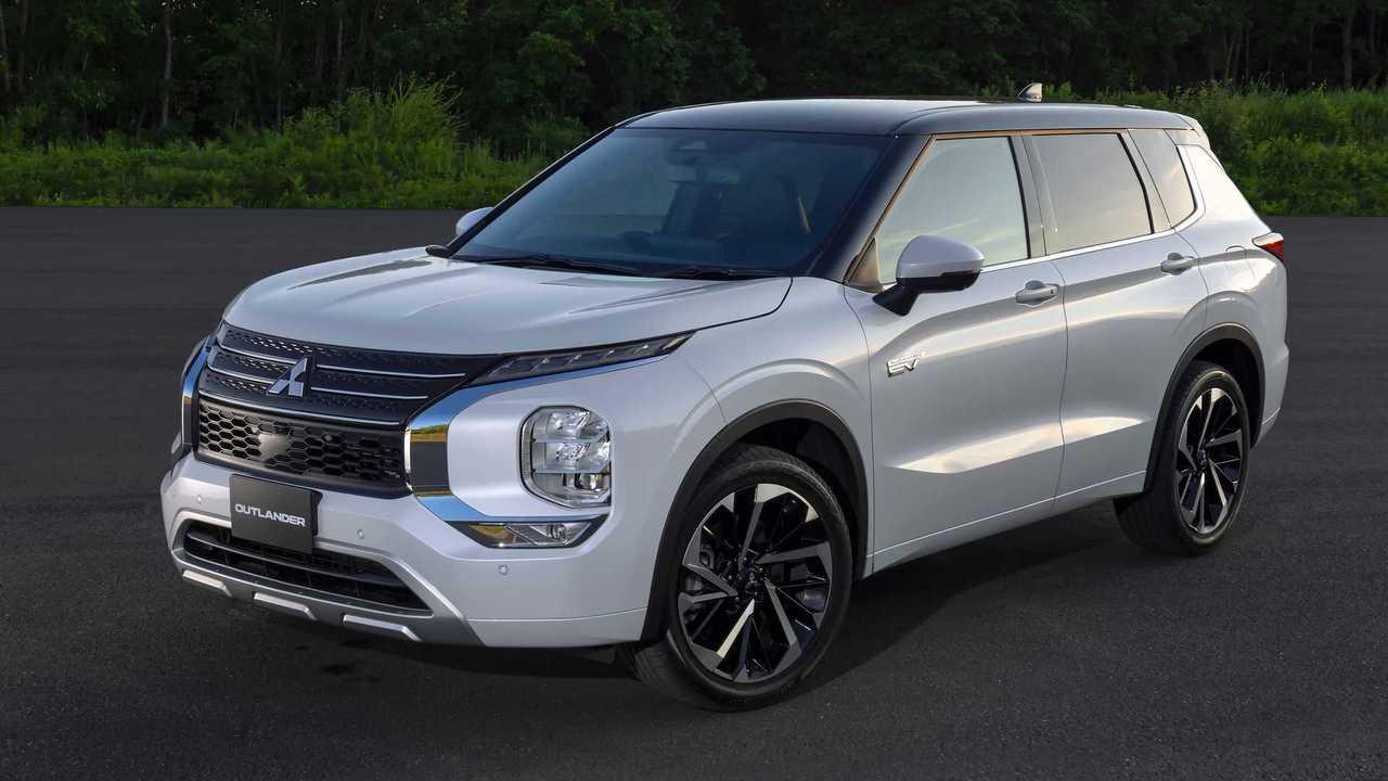 Mitsubishi Outlander PHEV (2022)