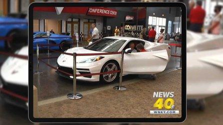 Regarder la vidéo Un vétéran de 95 ans aura sa Corvette C8 avant tout le monde !