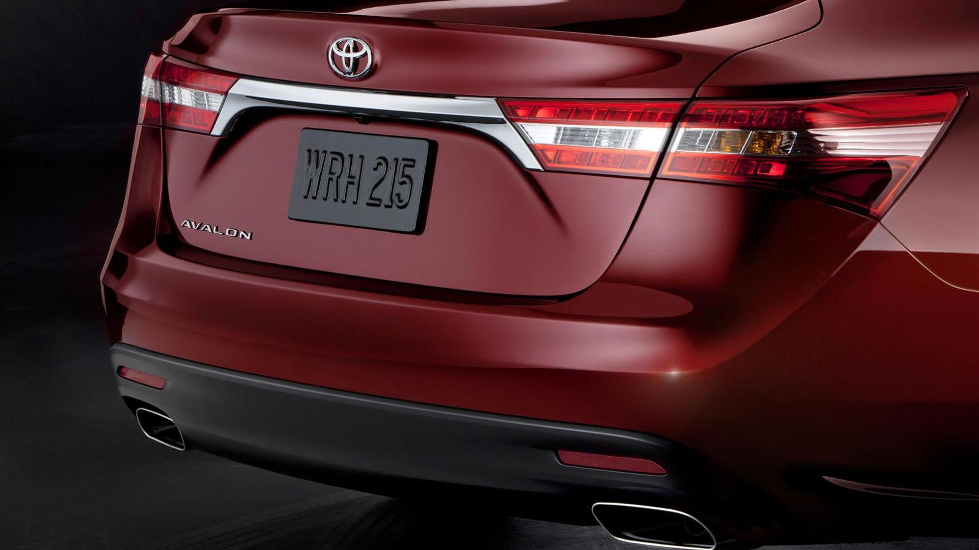 2013 Toyota Avalon first car to offer wireless charging ...