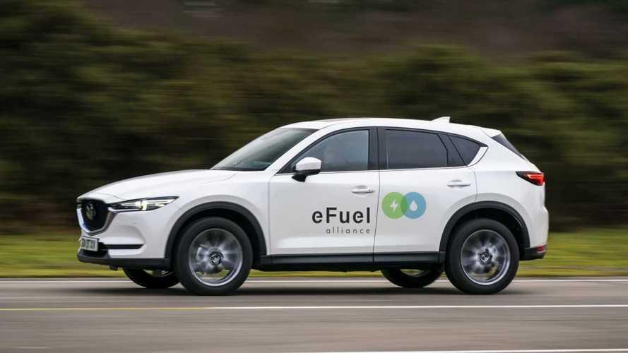 Mazda aposta nos combustíveis renováveis como alternativa aos carros elétricos