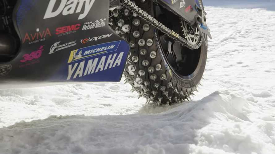 Watch This Guy Hit The Snowy Slopes In Style On A Yamaha R1