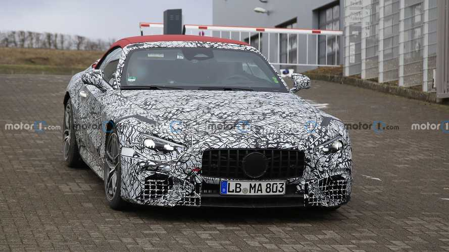 2022 Mercedes SL with red roof spy photos