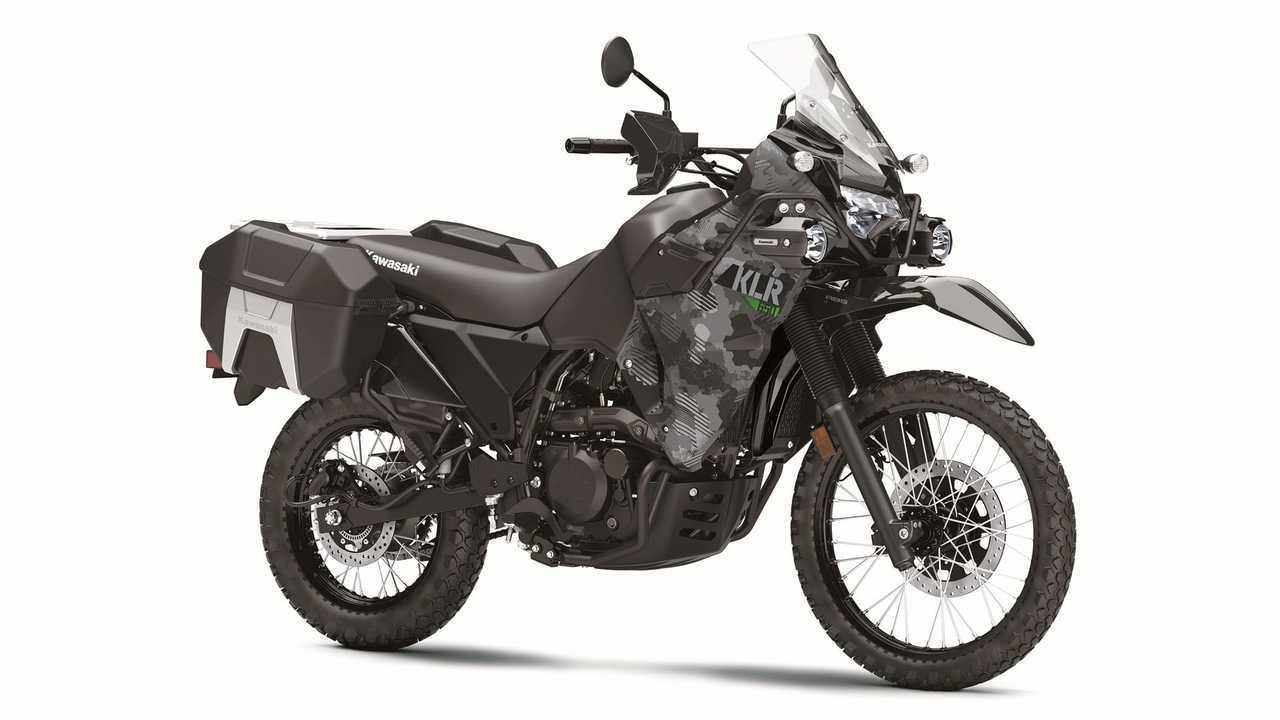 2022 Kawasaki KLR 650, Studio, Black camo with hard cases, 3/4 Front, Right