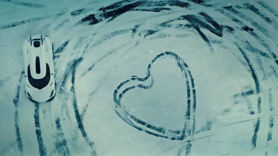 Koenigsegg Regera Does Snowy Heart On Valentine's Day
