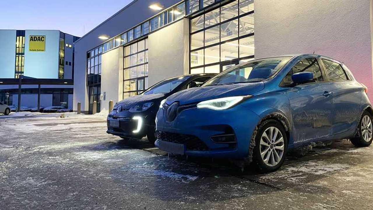 Renault Zoe und VW e-Up im Kältetest des ADAC