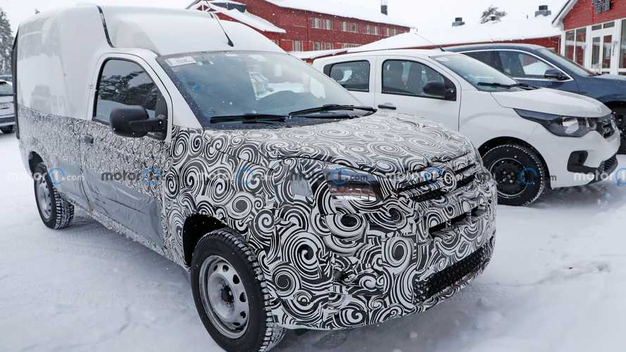 Fiat Fiorino 2022 - Flagra na neve