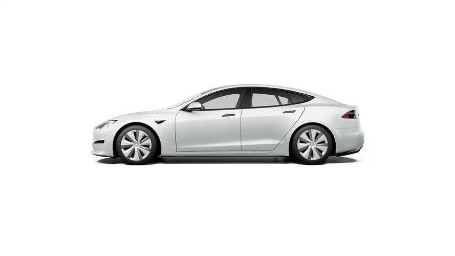 Tesla возобновил поставки Model S после странного перерыва