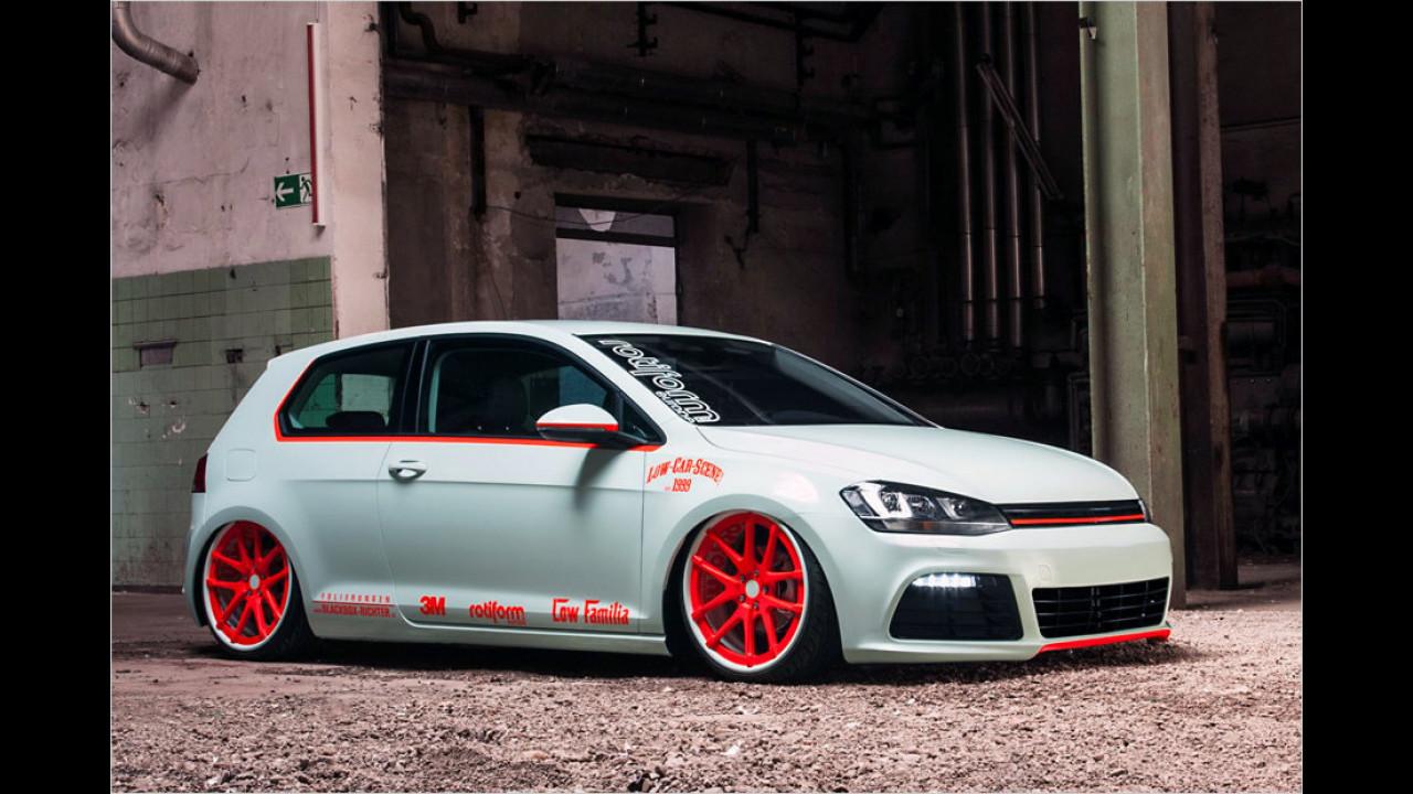 VW Golf mit Phosphor-Folierung