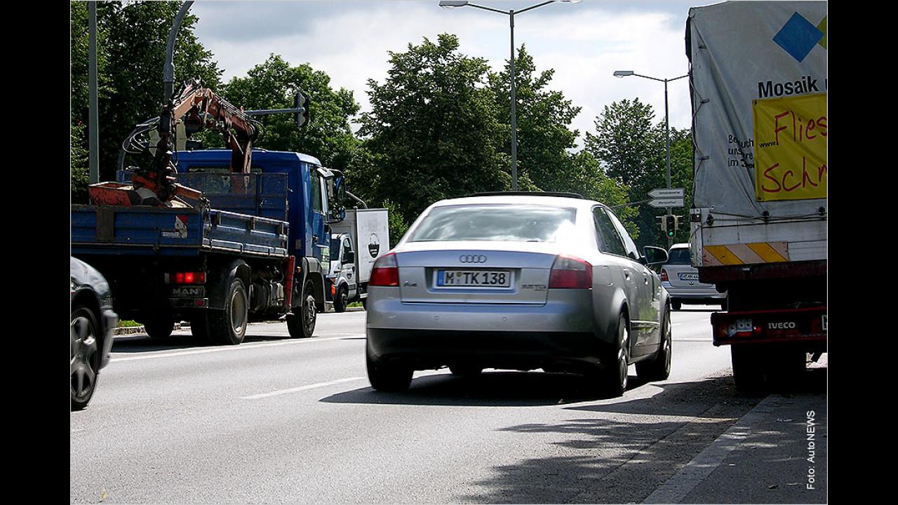 Halten oder parken in der zweiten Reihe