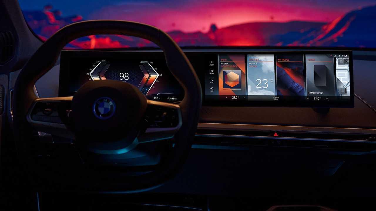 BMW iDrive 8 infotainment software revealed.