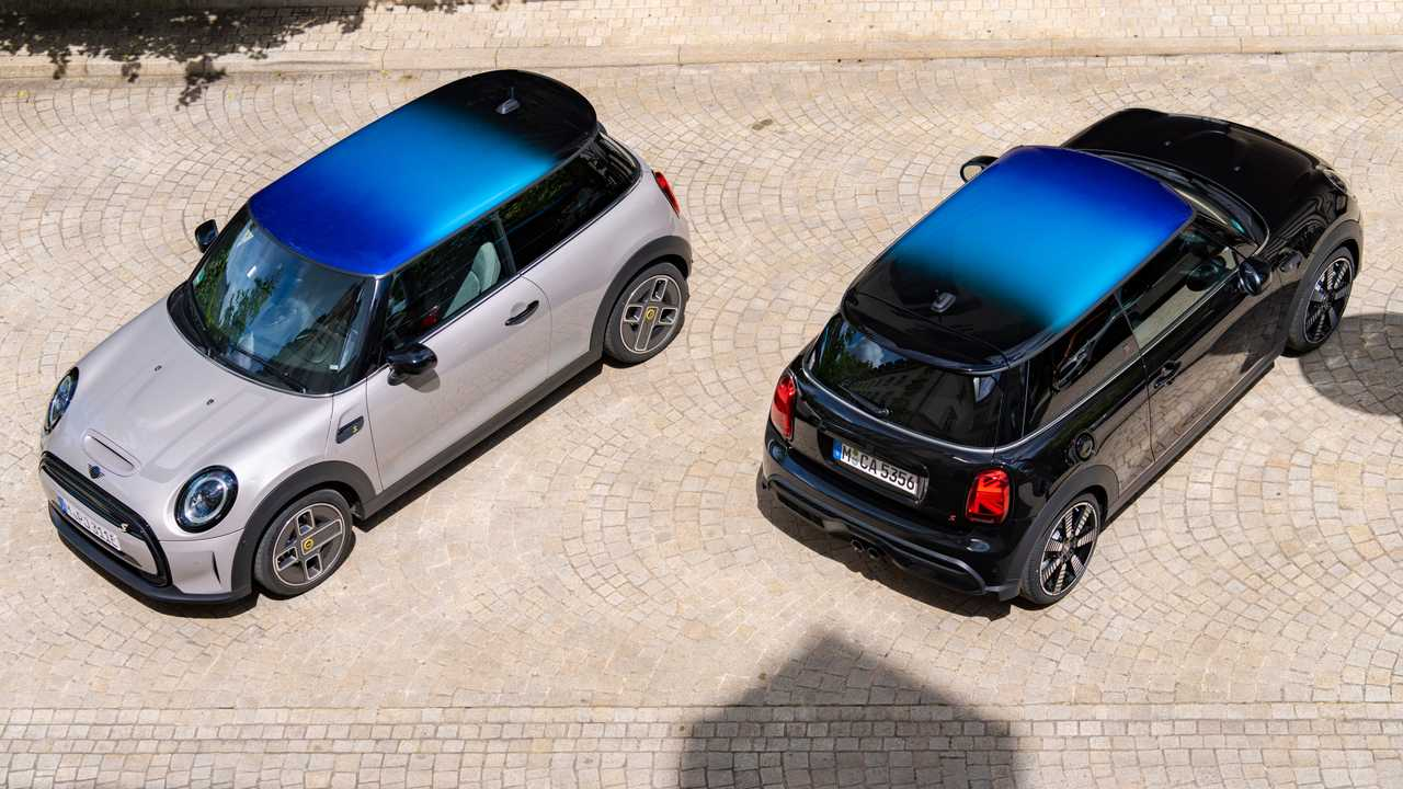 Mini multitone roof on vehicles in two colours