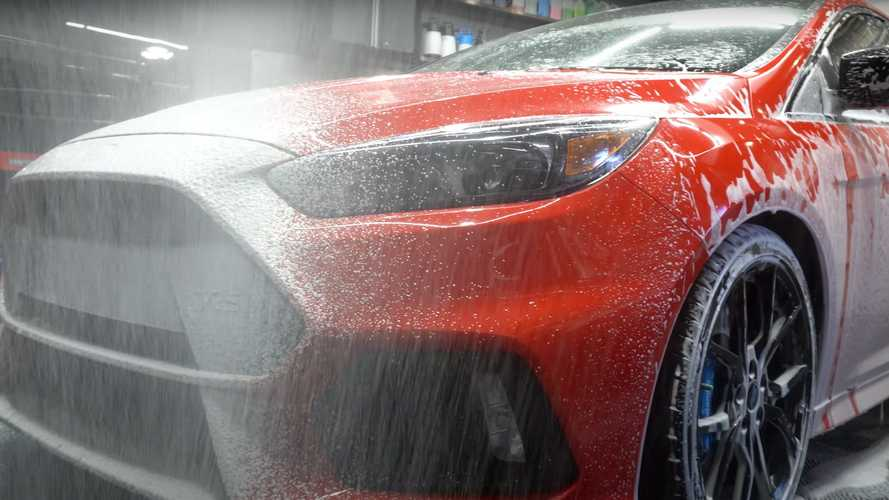 Ford Focus RS Mountune Gets Pampered With 18 Hours Of Detailing
