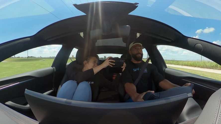 Vidéo - Les réactions d'une famille à la Tesla Model S Plaid