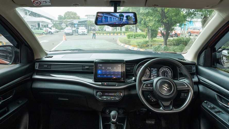 Mengenal Fitur Smart E-Mirror pada Suzuki XL7
