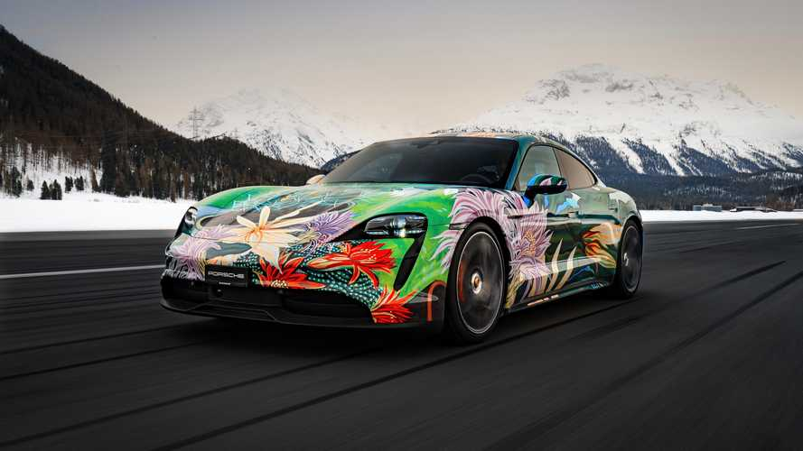 ¿Comprarías este Porsche Taycan Art Car tan colorido?