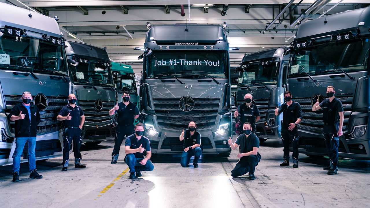 Mercedes Actros Edition 2 deliveries begin.
