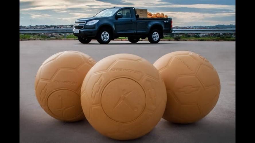 """Chevrolet doará bolas """"indestrutíveis"""" para instituições de áreas carentes"""
