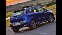 Hatches compactos: New Fiesta deixa adversários para trás em junho