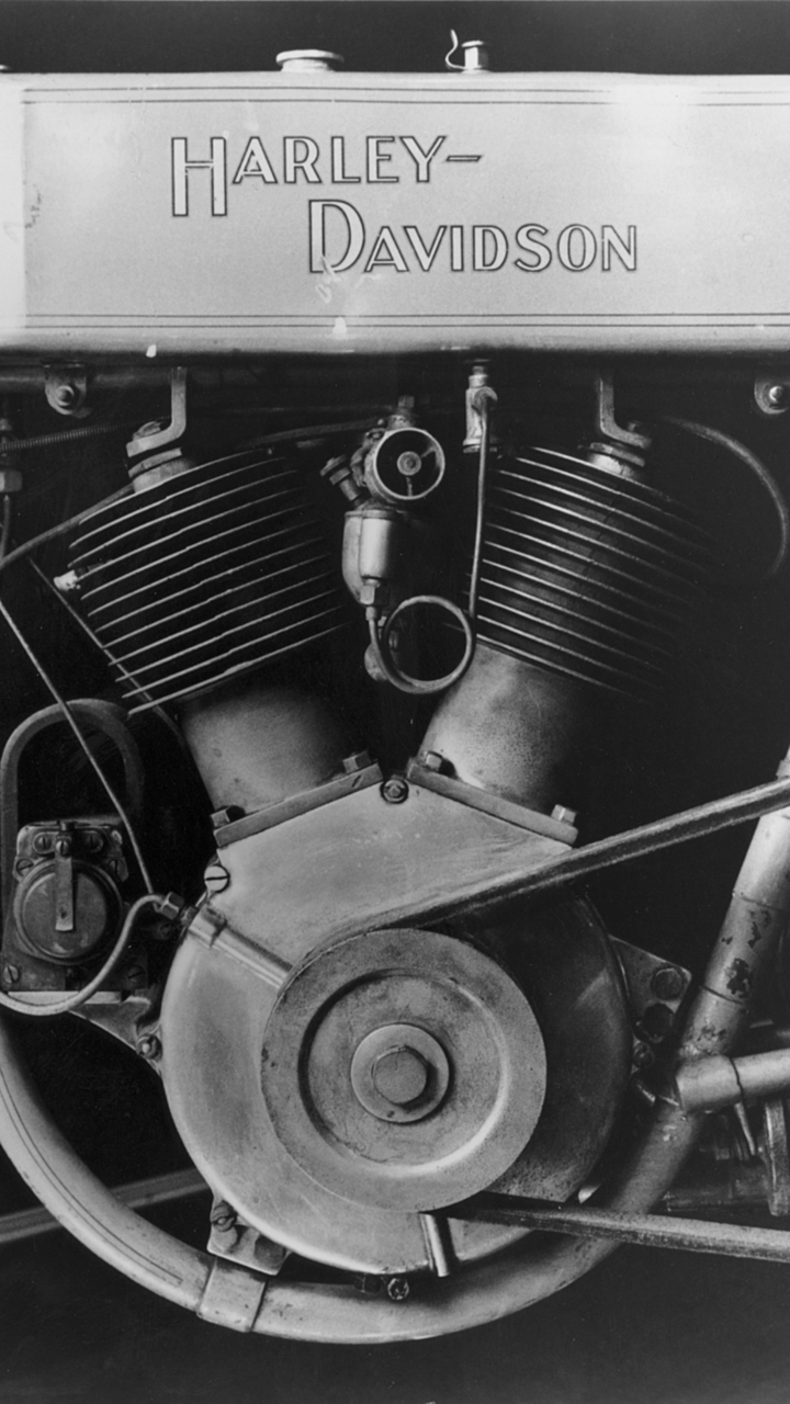 Close up of a 1909 Harley-Davidson motorcycle with the newly designed V-twin motor. Photo Courtesy of the H-D Archives.