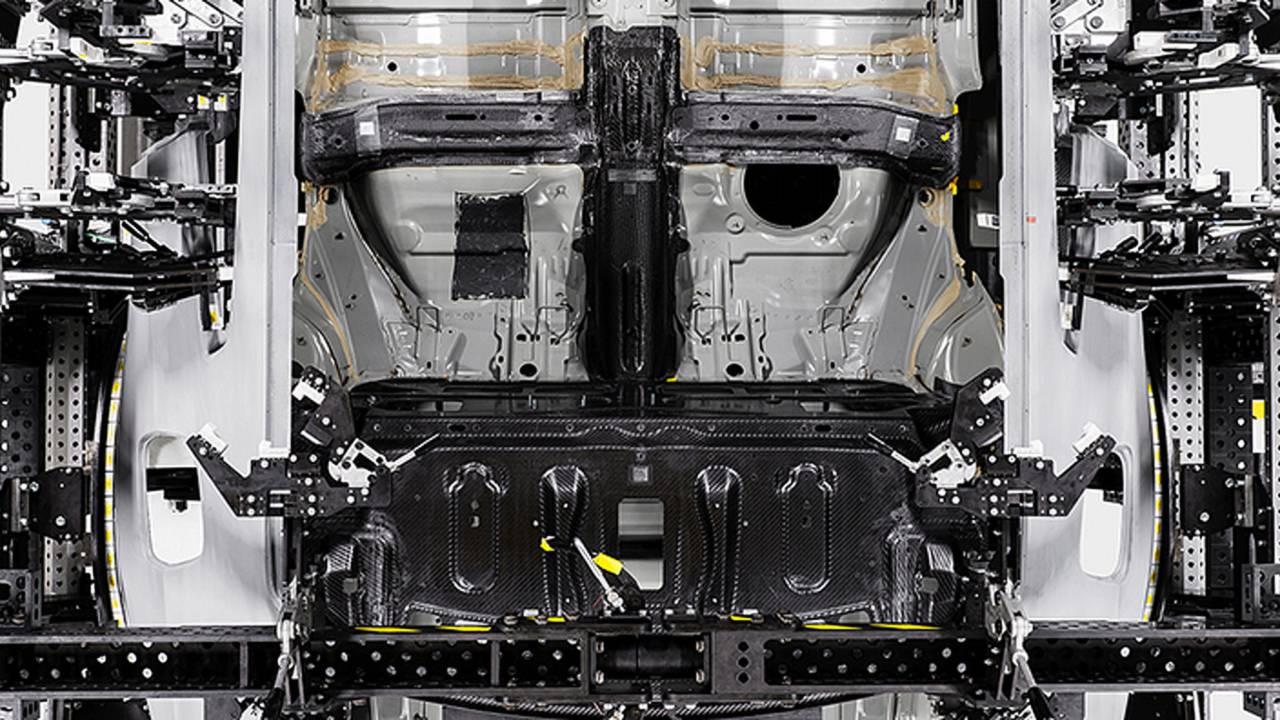 Polestar 1 karbon fiber mimari