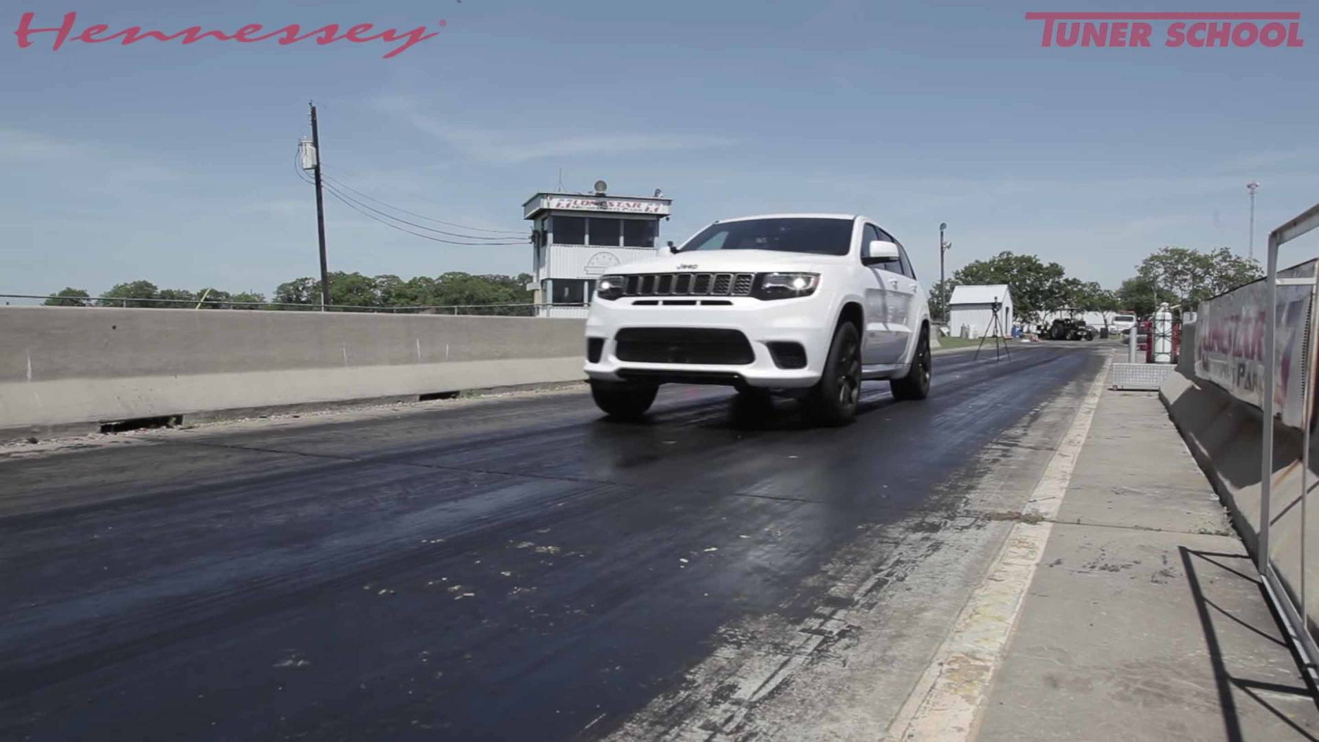 Watch 1 012 Hp Jeep Trackhawk Cover A Quarter Mile Very Quickly