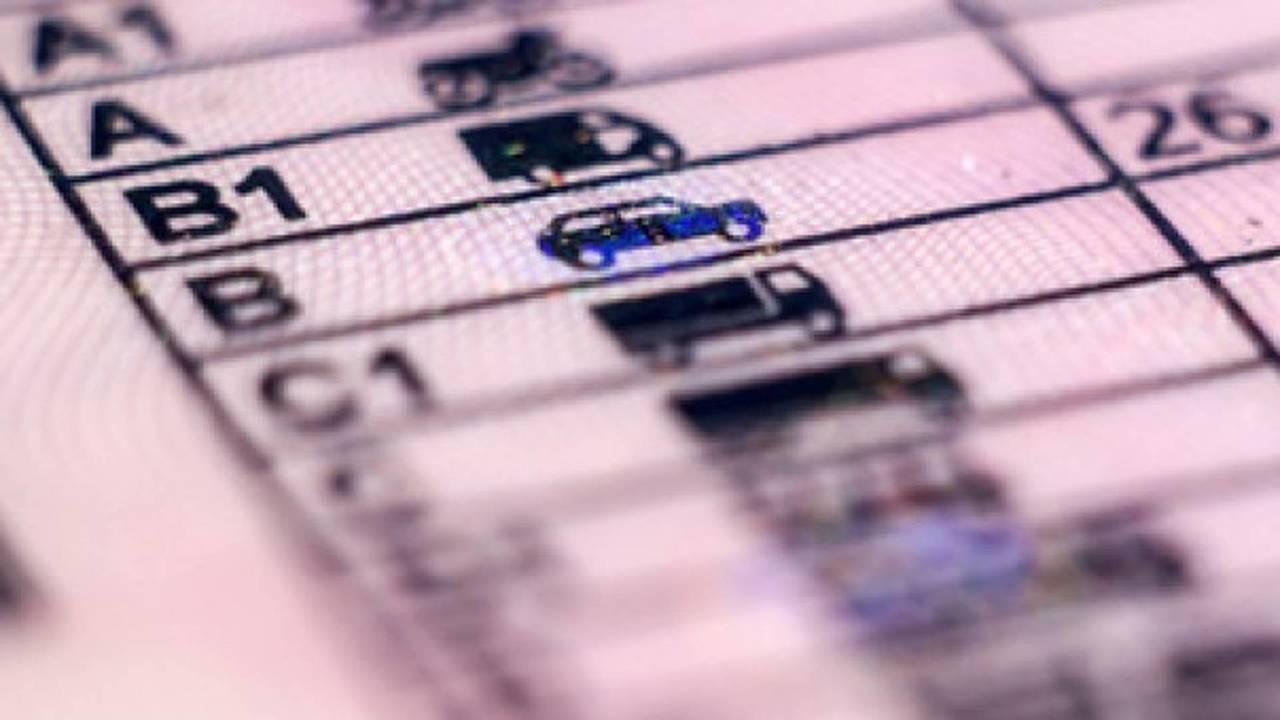 patente di guida italiana, revisione