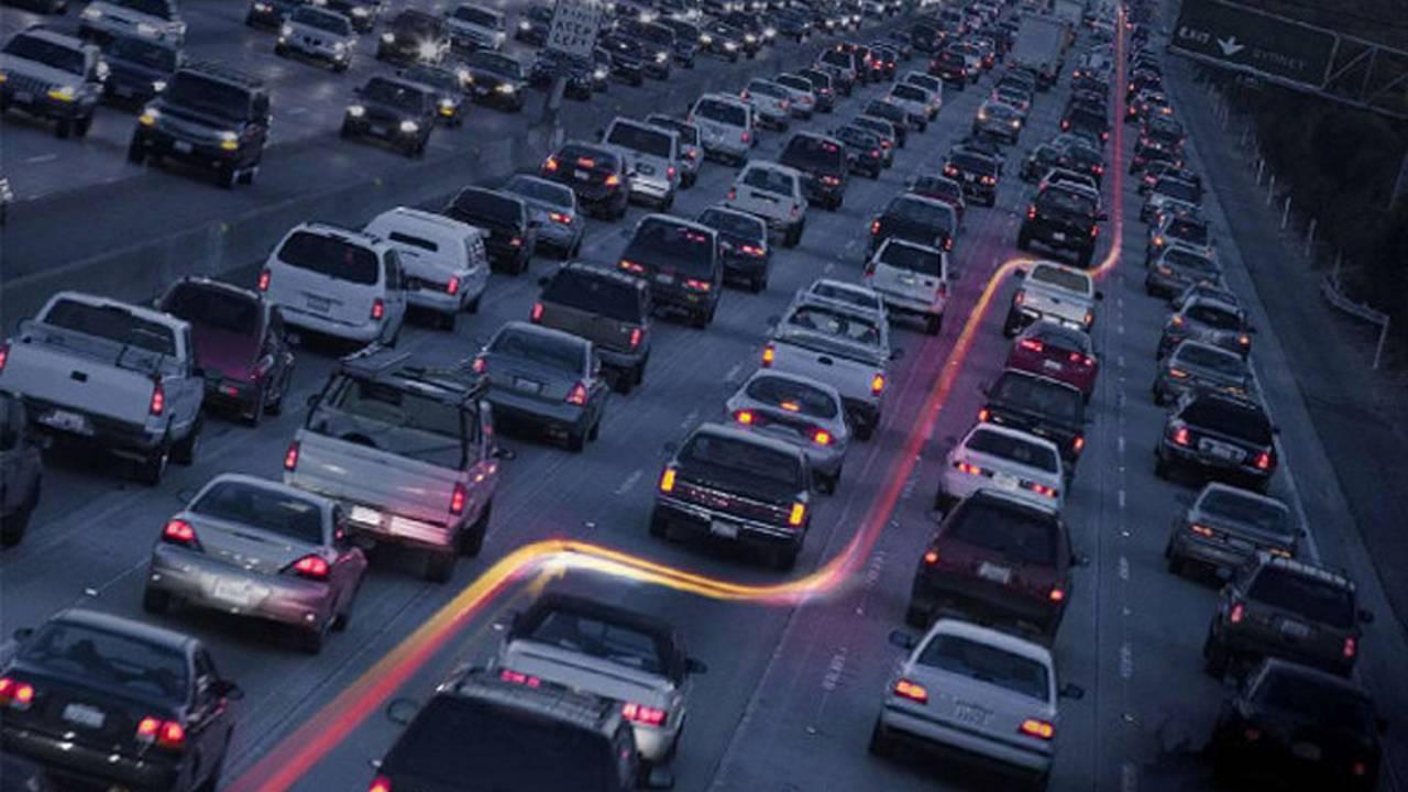 Arizona Considers Legalizing Lane Splitting