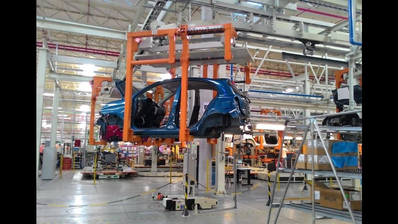 Nissan poderá produzir carros da Renault na fábrica de Resende