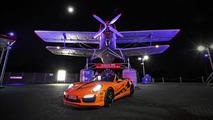 porsche-911-turbo-s--3_1600x0w