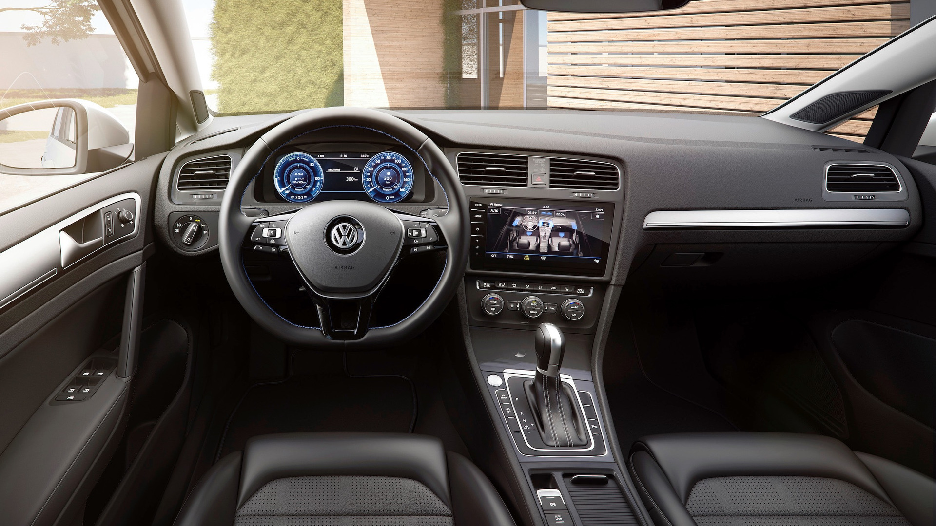 Vw E Golf Facelift With 300 Km Range Costs 35 900 In Germany