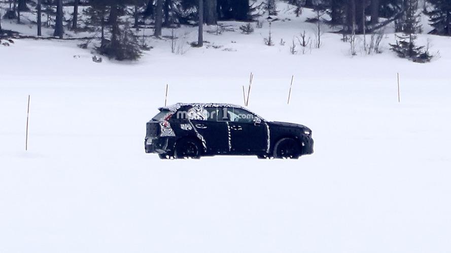 Photos espion - Le Volvo XC40 surpris pour la première fois