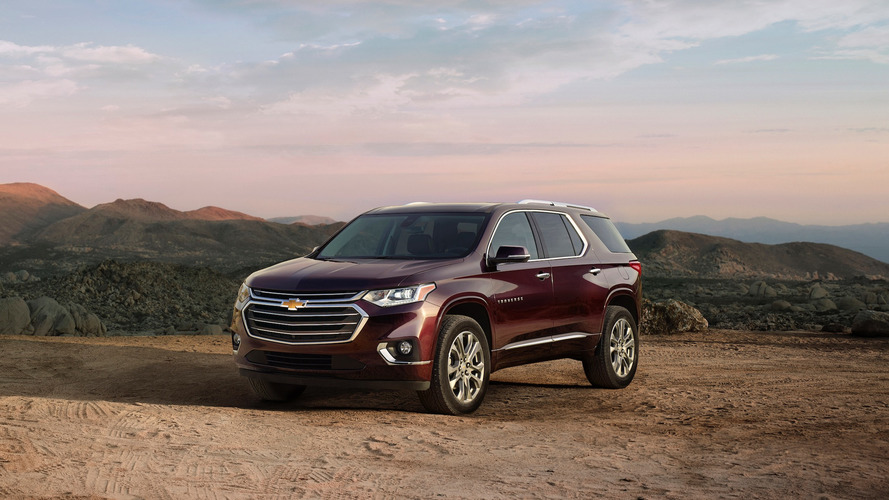 Chevy Traverse Mpg >> How The 2018 Chevy Traverse Stacks Up Against The Larger Tahoe