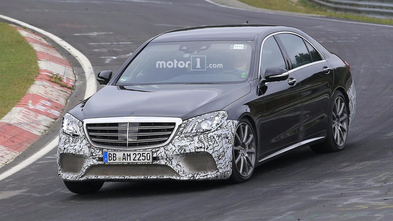 2017 Mercedes-AMG S63 facelift spy photo
