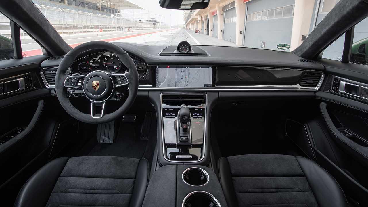 2019 Porsche Panamera GTS Sport Turismo
