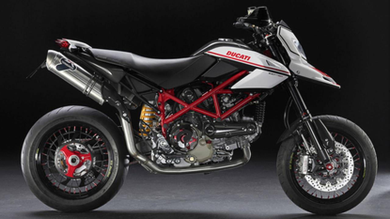 2010 Ducati Hypermotard 1100 Evo SP: lighter, faster and...