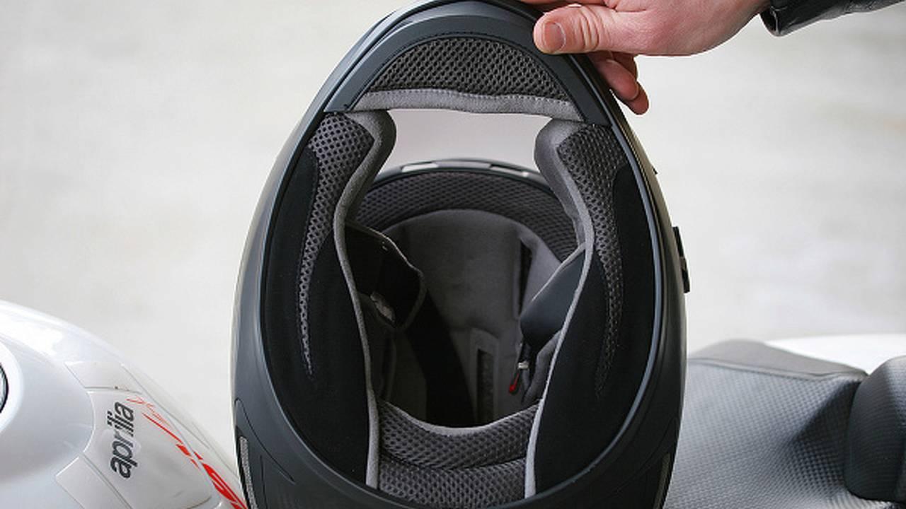 Gear: Bell Star matte carbon