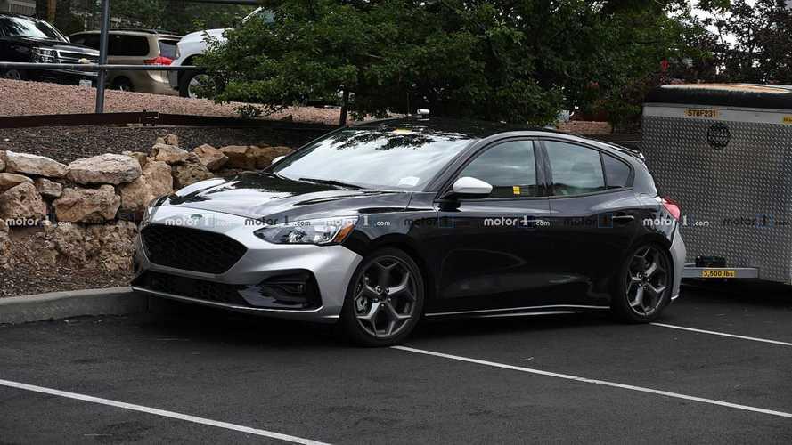 Yeni Ford Focus ST kamuflajsız görüntülendi