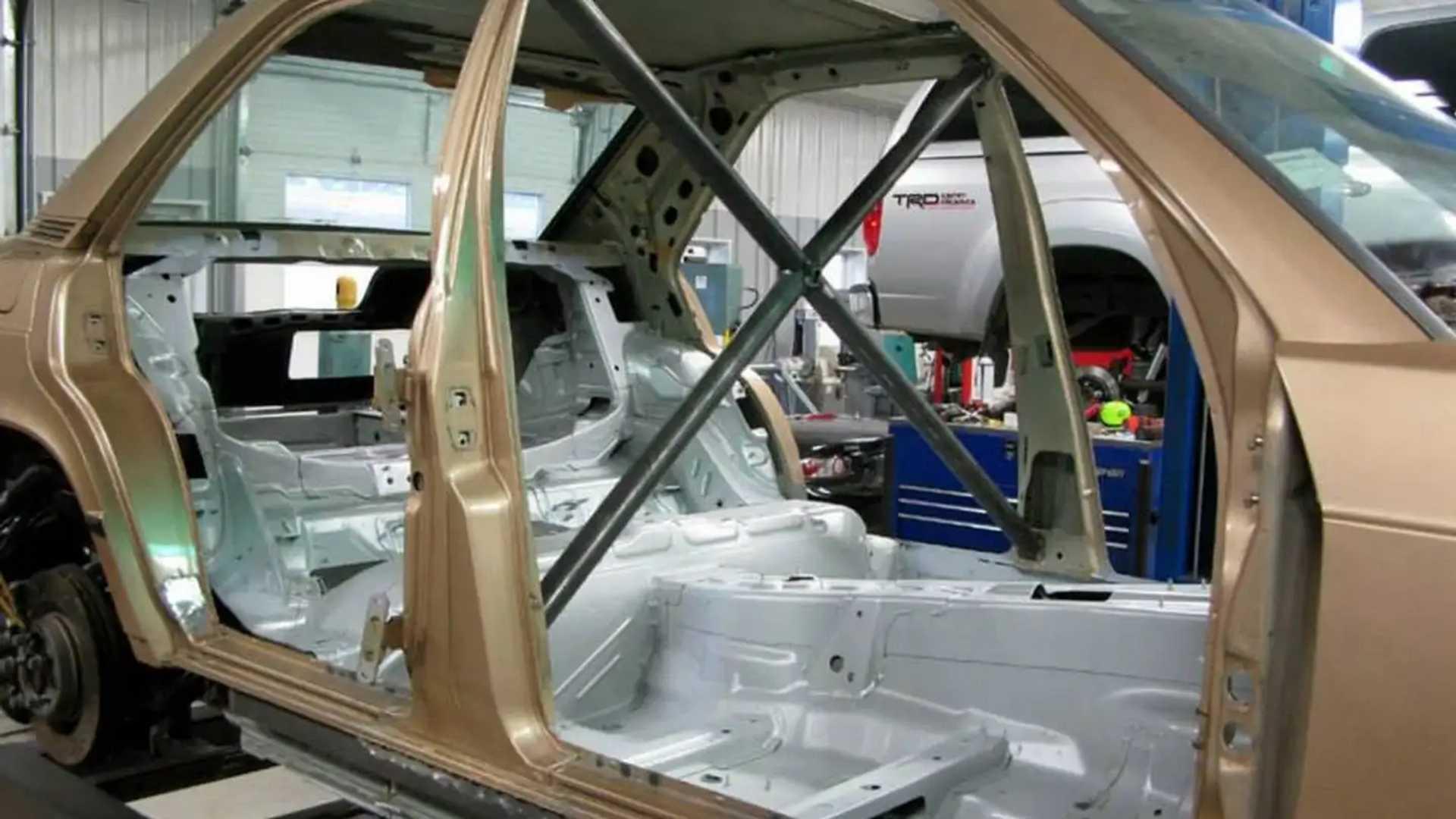 Frankenstein Benz - Engineers Slap Mercedes 190E Body Onto AMG C63
