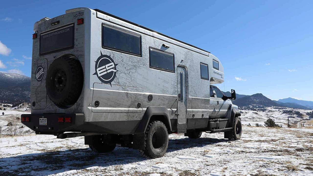 EarthRoamer XV-HD Is An Off-Roading Ford F-750 RV For $1 5M