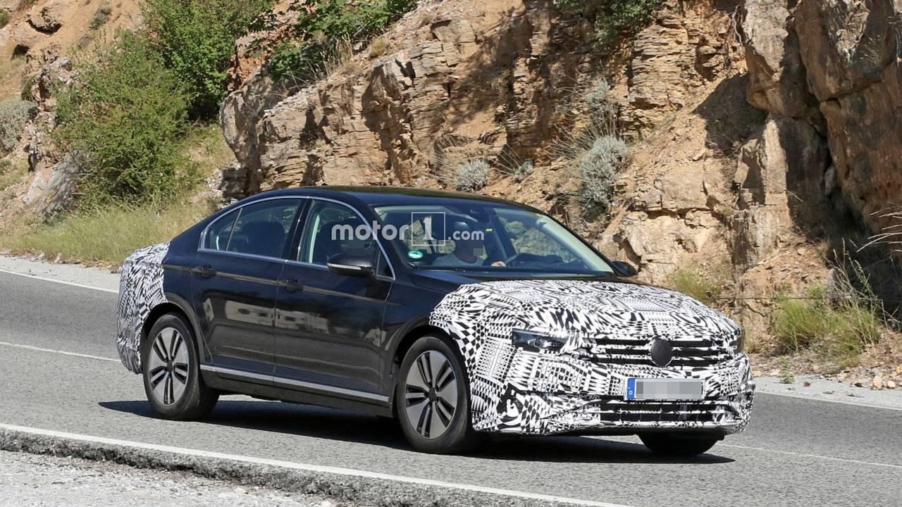 2019 VW Passat GTE restylée