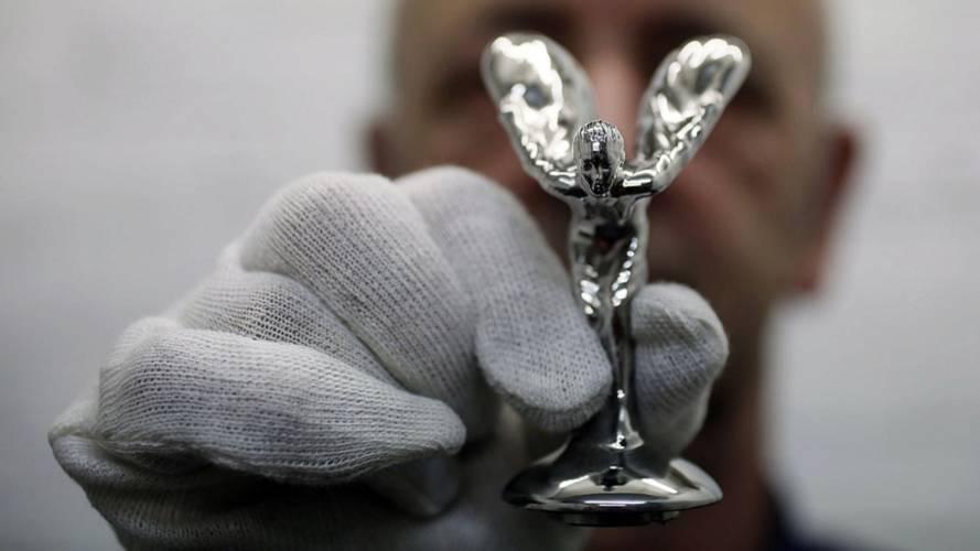 Así se fabrica el Espíritu del Éxtasis, la estatuilla de Rolls-Royce
