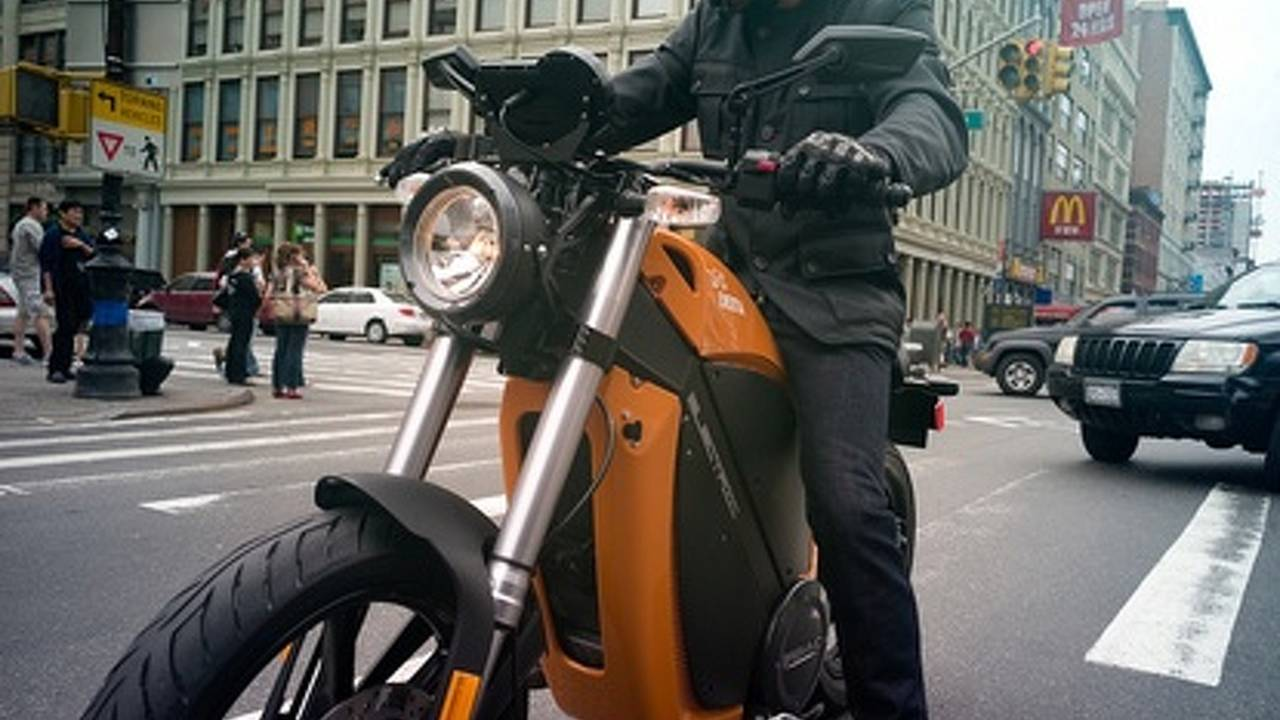 200 million electric motorcycles by 2016