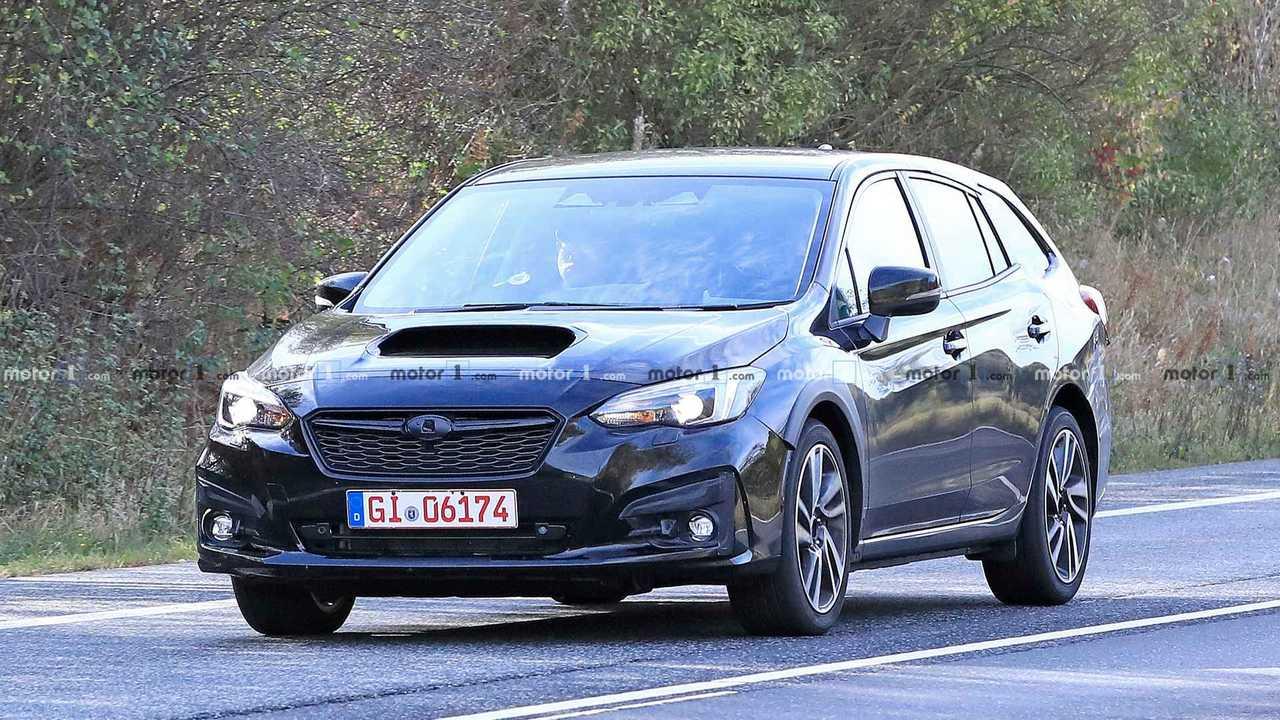 Subaru Levorg Test Mule Spy PhotoSubaru Levorg casus fotoğraflar