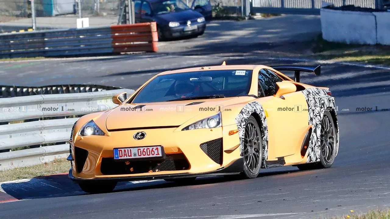 Lexus LFA Test Mule Spy Shots