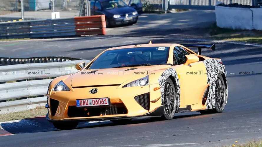 Mais que fait cette Lexus LFA sur le Nürburgring ?