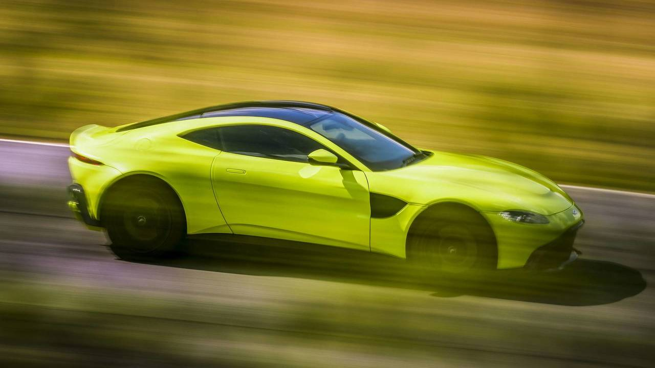 Watch Aston Martin Vantage Try To Reach Its Claimed Top Speed