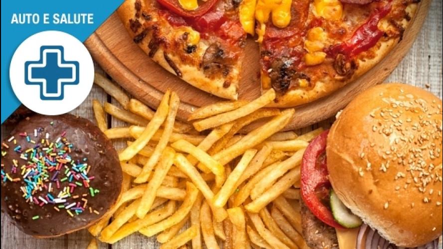 Problemi digestivi, 3 cose da sapere per stare meglio (anche in auto)