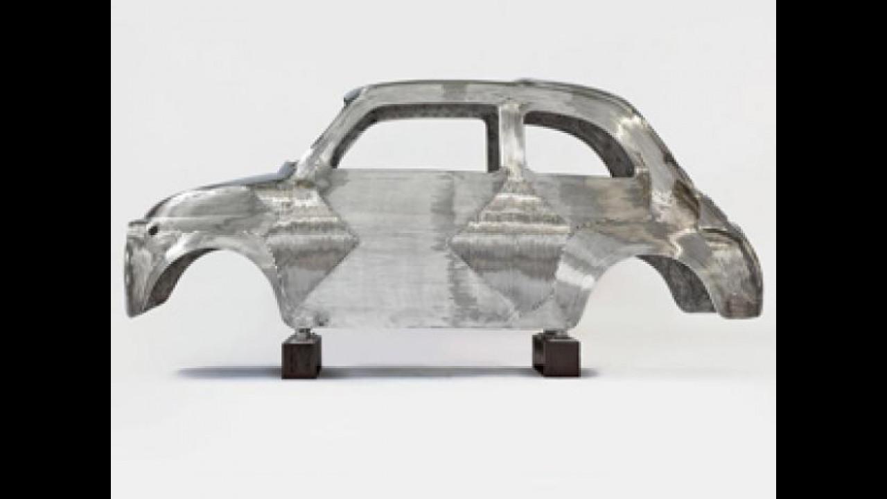 [Copertina] - La Fiat 500 storica diventa una scultura in acciaio inox lucido