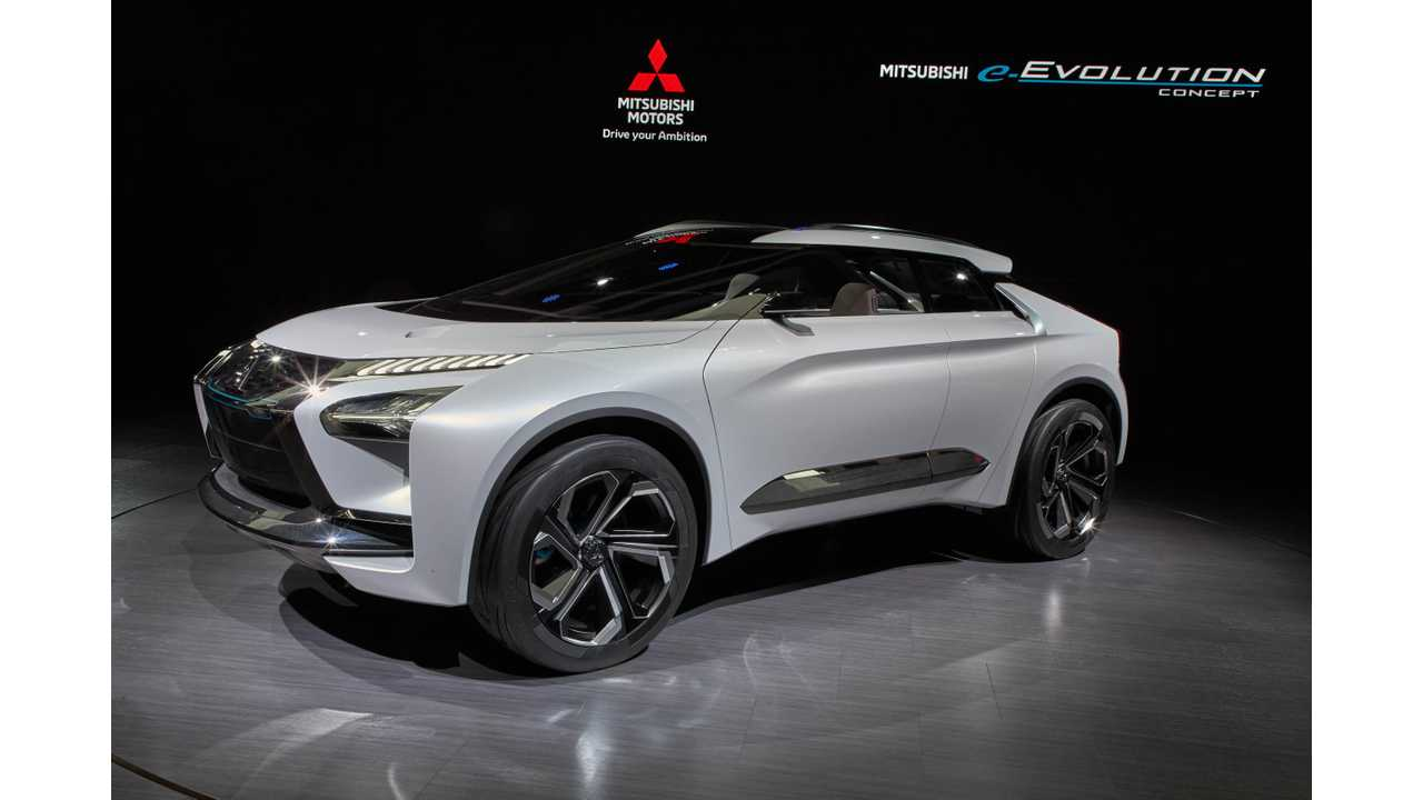 Mitsubishi Is Finally Refreshing The Outlander Phev That Has Been Almost Unchanged Since 2017 2019 Version Will Debut In Geneva With More Kwh